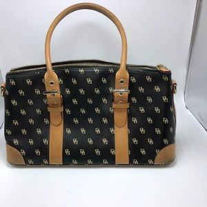 Dooney & Bourke Black it bag